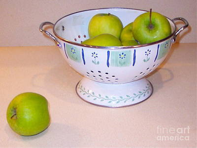 Photograph - Clean Green Apples  by Nancy Patterson