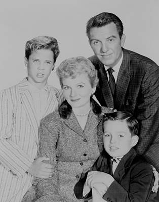 1950s Tv Photograph - Cleaver Family Of The Leave It To by Everett