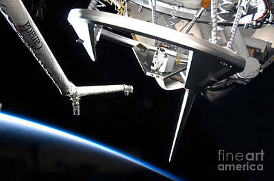 Components Of Space Shuttle Discovery Art Print by Stocktrek Images