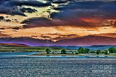 Photograph - Cooney Res At Dusk by Gary Beeler