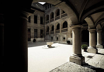 Photograph - Courtyard by RicharD Murphy