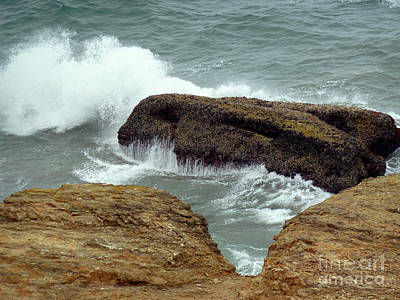 Photograph - Crashing Waves by Methune Hively