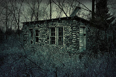 Photograph - Creepy Shack by Scott Hovind