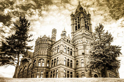 Syracuse University Photograph - Crouse Building At Syracuse In Gold by Vicki Jauron