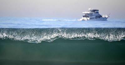 Cruising Beyond The Wave Art Print