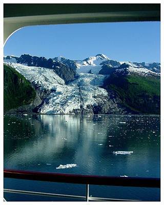 Photograph - Cruising Glacier Bay by Frank Wickham