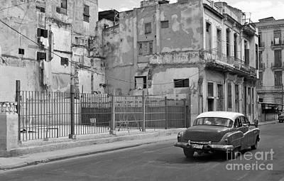 Art Print featuring the photograph Cuban Car by Lynn Bolt