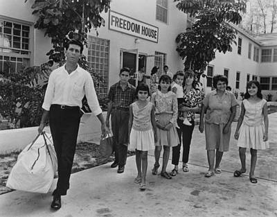 Cuban Refugee Family In Miami, Florida Art Print by Everett