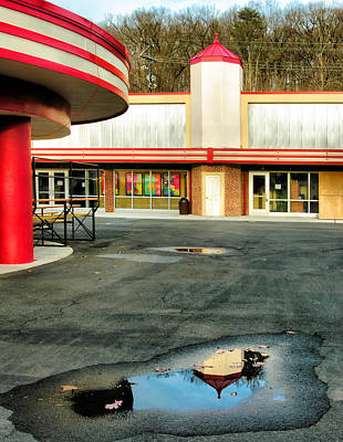 Glen Echo Park Photograph - Cuddle Up Pavilion And The Arcade II by Steven Ainsworth