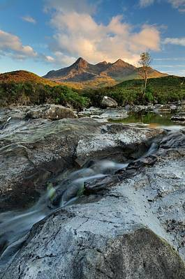 Sgurr Mor Photograph - Cuillin Evening Sunlight by Stewart Smith