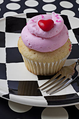 Cupcake With Heart On Checker Plate Art Print by Garry Gay
