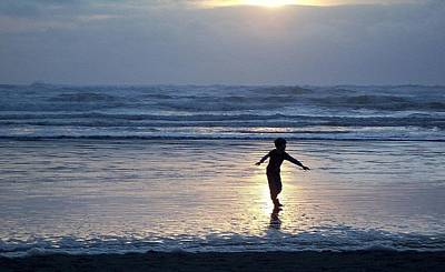Photograph - Dancing Boy At Sunset by Peter Mooyman