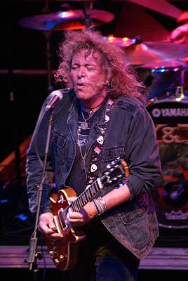 Photograph - Dave Meniketti 2010 by Ben Upham