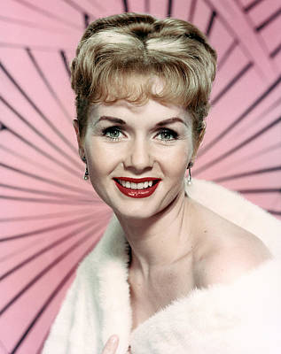 Fur Stole Photograph - Debbie Reynolds, Circa Early 1960s by Everett