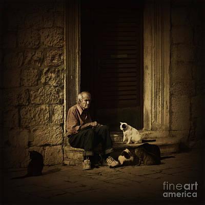 Homeless Photograph - Dementia by Andrew Paranavitana