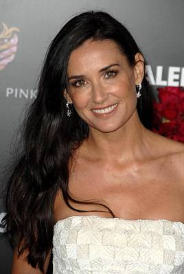 Demi Moore Photograph - Demi Moore At Arrivals For Valentines by Everett