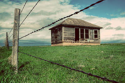 Barbed Wire Fences Photograph - Derelict House On The Plains by Thomas Zimmerman