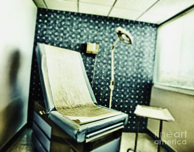 Reclining Chairs Photograph - Dermatology Examination Room by Skip Nall