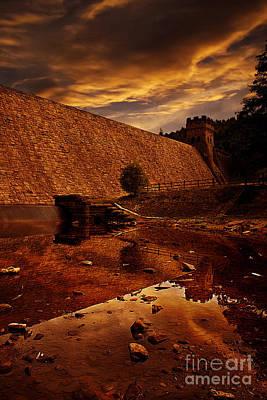Howden Reservoir Pyrography - Derwent Overflow by Nigel Hatton