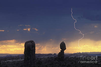 Desert Storm - Fs000484 Art Print by Daniel Dempster