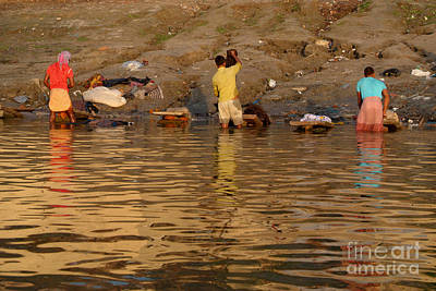 Cremation Ghat Photograph - Dhobi Wallahs From Behind by Serena Bowles