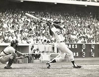 Dodger Willie Davis Batting At Dodger Stadium  Art Print