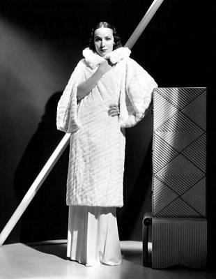 Dolores Photograph - Dolores Del Rio, 1934 by Everett