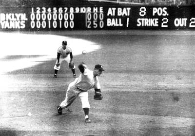Don Larsen Of The Ny Yankees Pitches Art Print