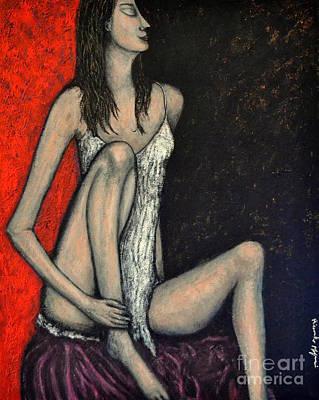 Donna Seduta Sul Cuscino Viola Art Print