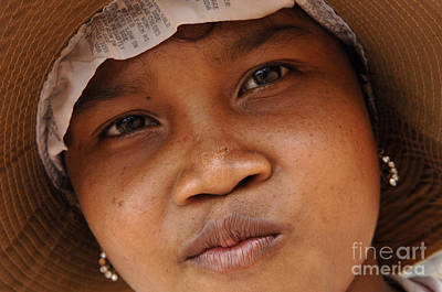 Photograph - Cambodian Girl by Bob Christopher