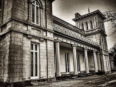 Dundurn Castle Photograph - Dundurn Castle Bw by Larry Simanzik