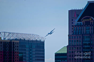 Photograph - E-2c Hawkeye Over Baltimore by Mark Dodd