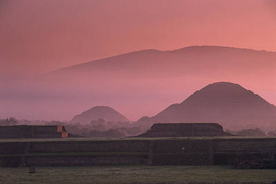 Early Morning View Of The Sun Pyramid Art Print