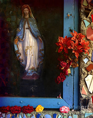 East La Mary Art Print by Lawrence Costales