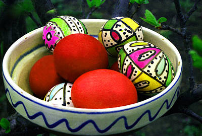 Photograph - Easter Eggs In Ceramic Bowl by Emanuel Tanjala