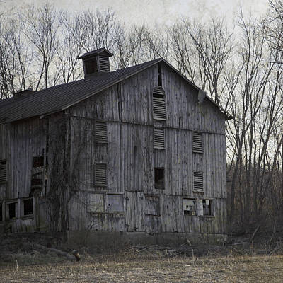 Late Day Light Photograph - Edge Of Evening Shabby Old Barn by John Stephens