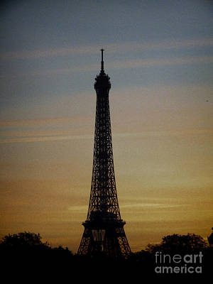 Photograph - Eiffel Tower 2 by Karen Lewis
