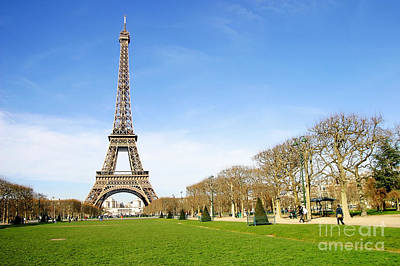 Photograph - Eiffel Tower by Paul Topp