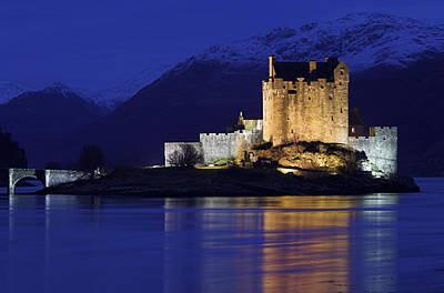 Eilean Donan Castle Art Print by Duncan Shaw