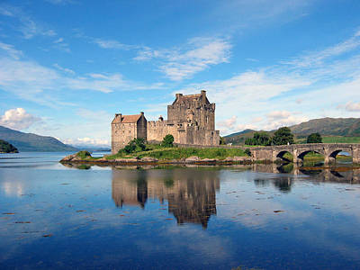 Photograph - Eilean Donan by Harvey Barrison