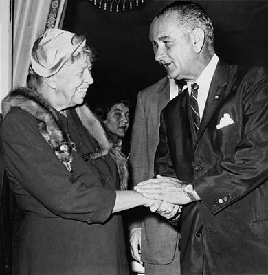 Eleanor Roosevelt Shaking Hands Art Print by Everett
