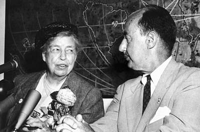 Eleanor Roosevelt Supported Adlai Art Print by Everett