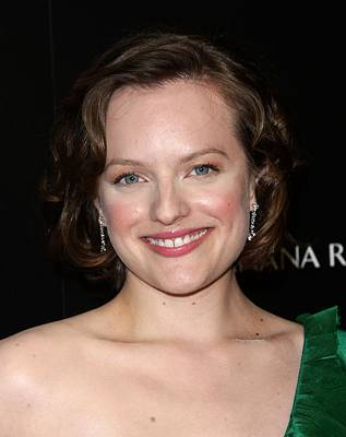 Elisabeth Moss At Arrivals For Amcs Mad Art Print by Everett