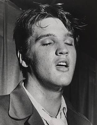 Elvis Presley 1935-1977 Print by Everett