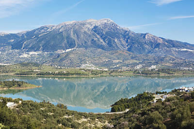 Embalse De La Vinuela, Vinuela Reservoir, Spain Art Print by Ken Welsh