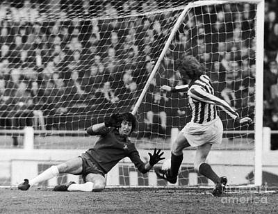 Goalkeeper Photograph - England: Soccer Match, 1973 by Granger