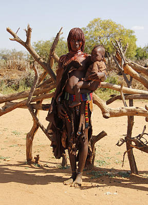 Painting - Ethiopia-south Mother And Baby No.1 by Robert SORENSEN