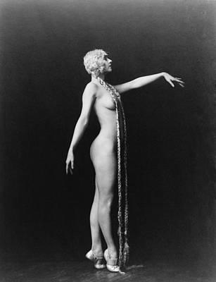 Evelyn Groues, A Ziegfeld Girl Posed Art Print