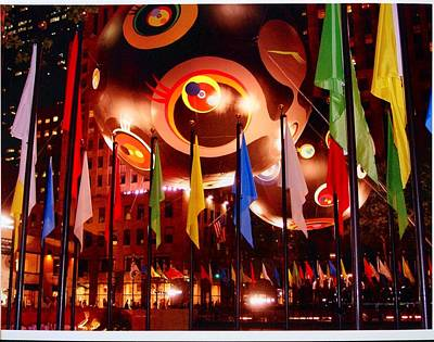 Exhibit At Rockefeller Center Art Print by Alton  Brothers