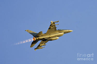 Accelerate Photograph - F-16 - D002723 by Daniel Dempster